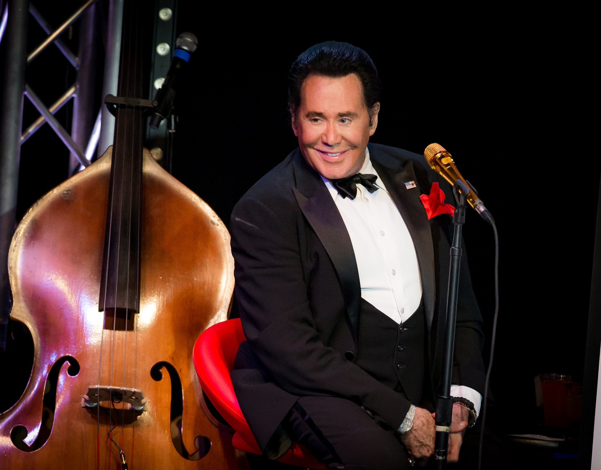 Wayne Newton | Beverly Hills | Music News 2017