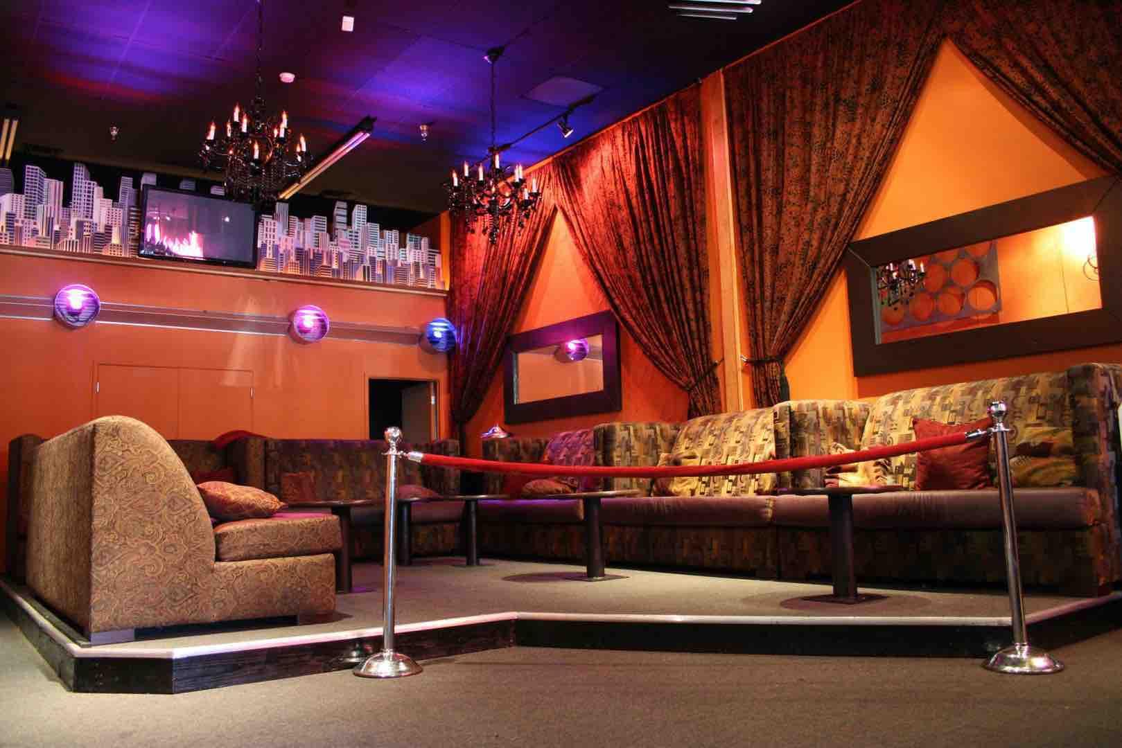 Zeldas Night Club | Palm Springs CA | Music News 2017